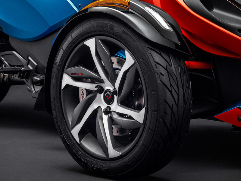 2015 Can-Am Spyder RS-S Exterior - image 579000