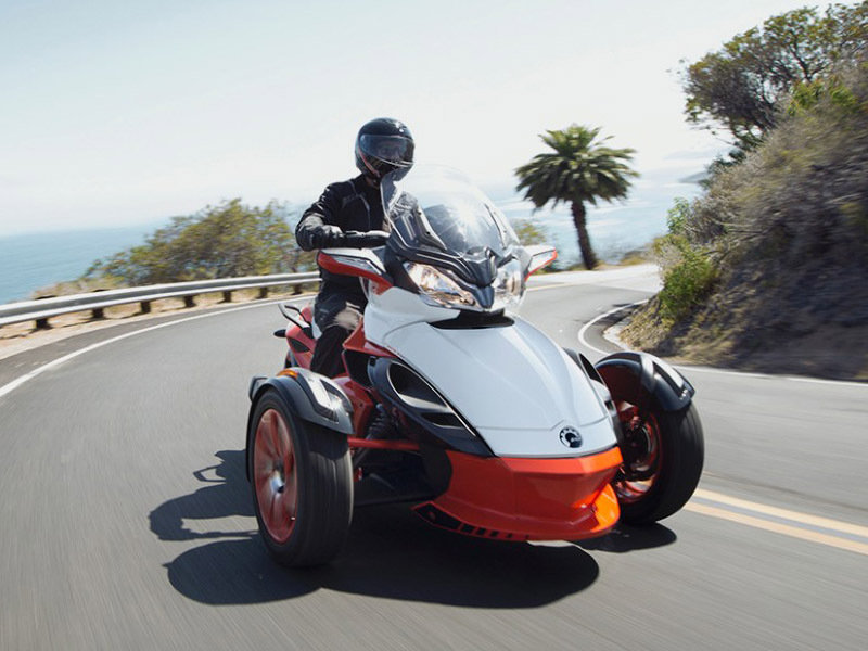 2015 Can-Am Spyder ST Exterior - image 579020