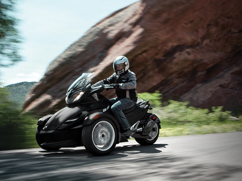 2015 Can-Am Spyder ST Exterior - image 579021