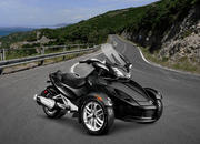 2015 Can-Am Spyder ST - image 579022