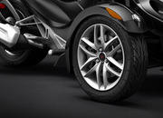 2015 Can-Am Spyder ST - image 579011