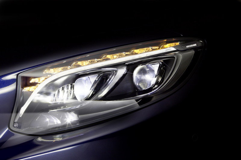 Mercedes Previews Its New LED Headlights - image 577712