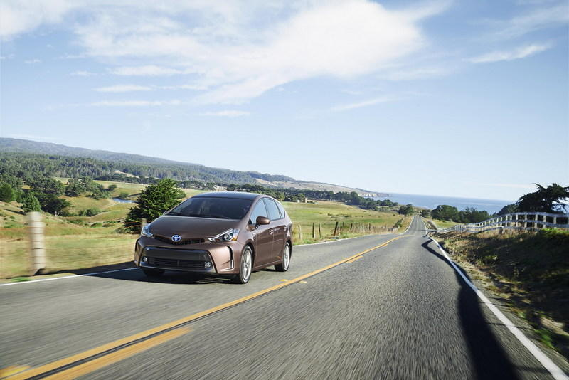 2015 Toyota Prius v High Resolution Exterior - image 579133