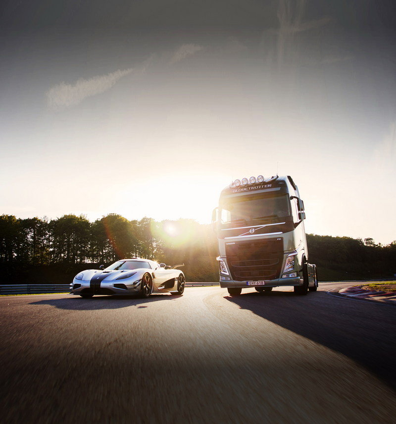 Video: Volvo FH Races A Koenigsegg One:1 Exterior - image 577096
