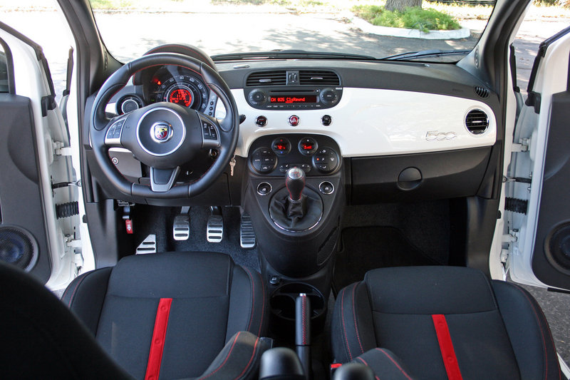 2014 Fiat 500 Abarth - Driven High Resolution Interior - image 599530
