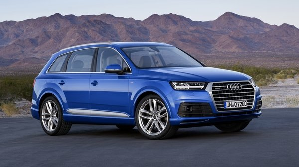 Today must be Audi debut day, as we first had the RS3 and now we have the new Q7.