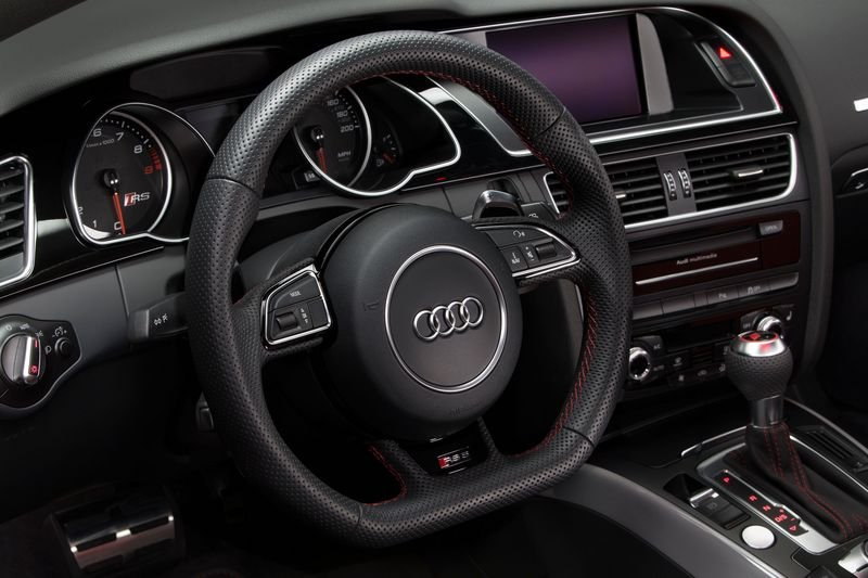 2015 Audi RS 5 Coupe Sport Edition Interior - image 599624