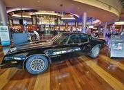 Burt Reynolds' 1977 Pontiac Trans Am Sells for $480k - image 585980