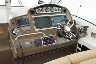 2014 Cruisers Yachts 430 Sports Coupe
