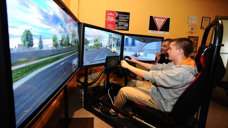 Integrating Driving Simulators into Driver's Ed Will Help Reduce Teen Fatalities in Car Crashes