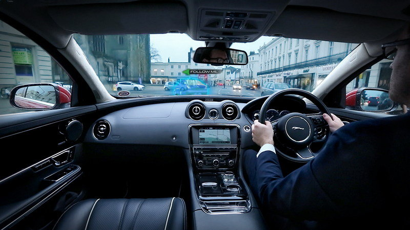 "Jaguar-Land Rover Reveals ""360 Virtual Urban Windscreen"" Project Interior - image 585899"