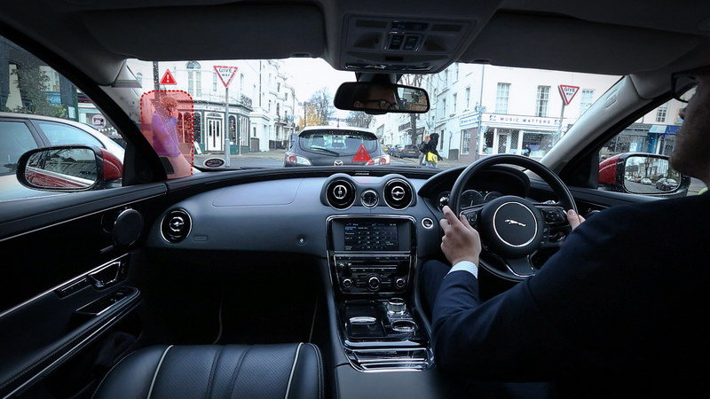 "Jaguar-Land Rover Reveals ""360 Virtual Urban Windscreen"" Project"