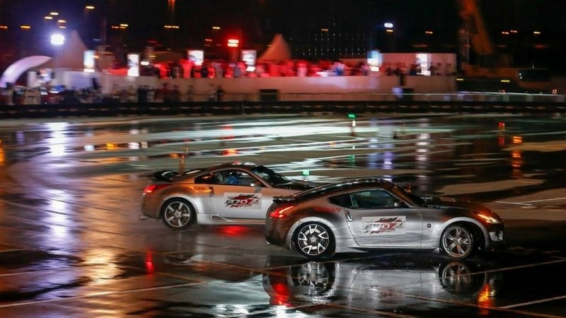 "Nissan Sets the Record for ""Longest Twin Vehicle Drifting"""