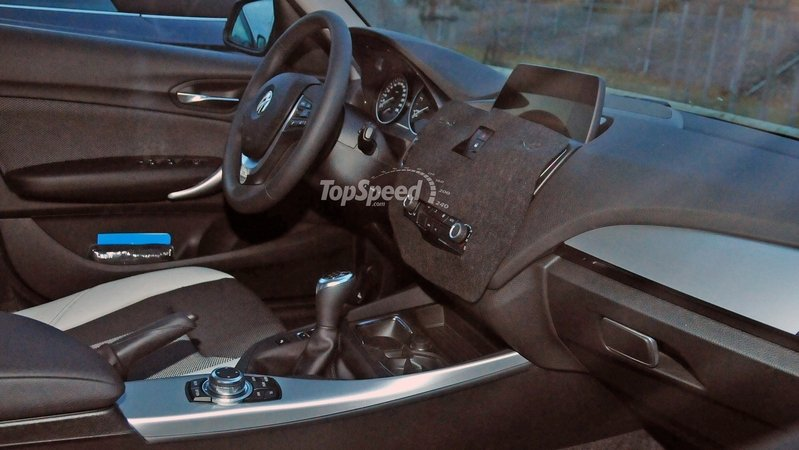 Spy Shots: 2016 BMW 1 Series Hatchback Reveals its Interior