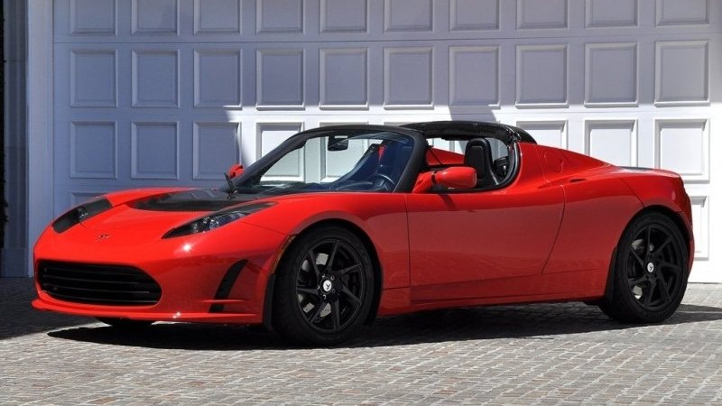 Tesla Roadster Will Get an Update This Week