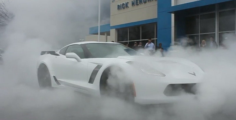 2015 Corvette Z06 Does Massive Burnout Outside Dealership: Video