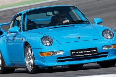 Ah, the 993 911 Carerra RS; air cooled, no amenities and no sound deadening. Just you, 3.8 liters of excitement and a whole lotta noise, what could be better?