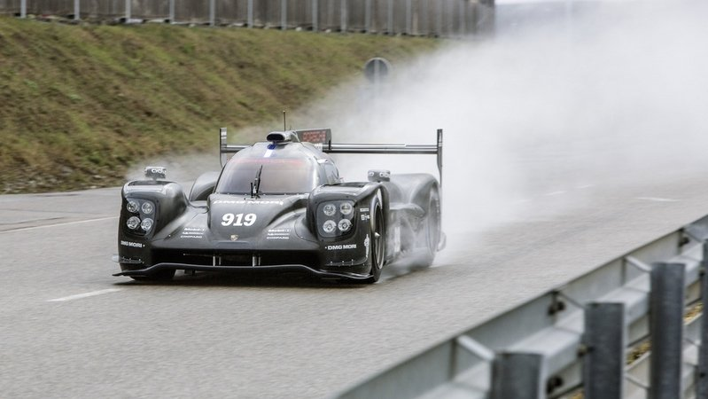 2015 Porsche 919 Hybrid High Resolution Exterior - image 611839