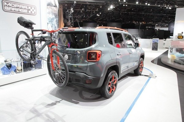 Bike Rack For Jeep Renegade >> 2015 Jeep Renegade Urban Mopar-equipped   truck review @ Top Speed