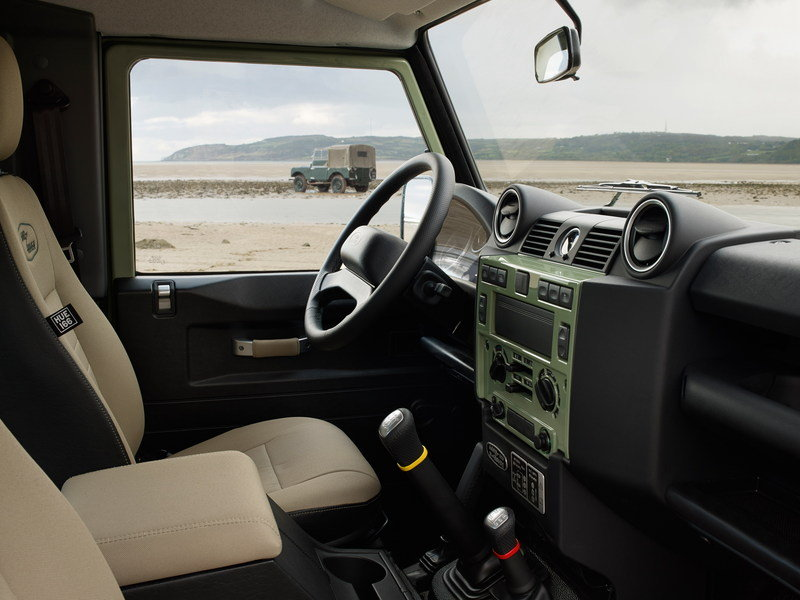2015 Land Rover Defender Heritage Edition Interior - image 609258