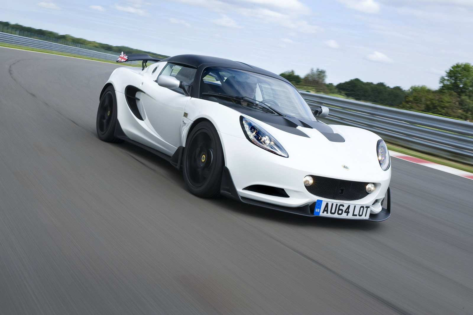 2015 Lotus Elise S Review | tinadh.com