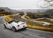 Wallpaper of the Day: 2016 Alfa Romeo 4C Spider - image 610407