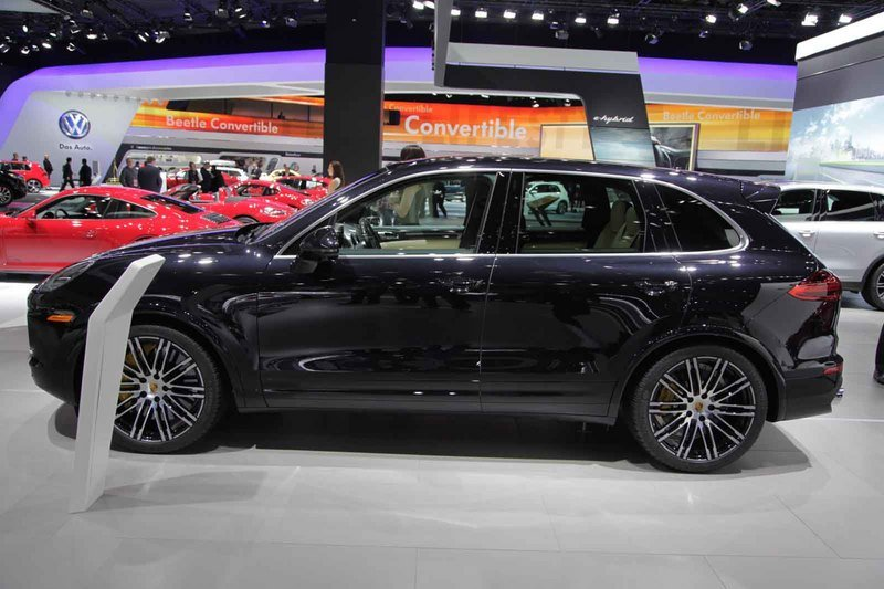 2016 Porsche Cayenne Turbo S Pictures Photos Wallpapers And Video