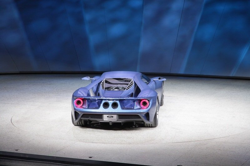 2017 Ford GT Exterior - image 610612