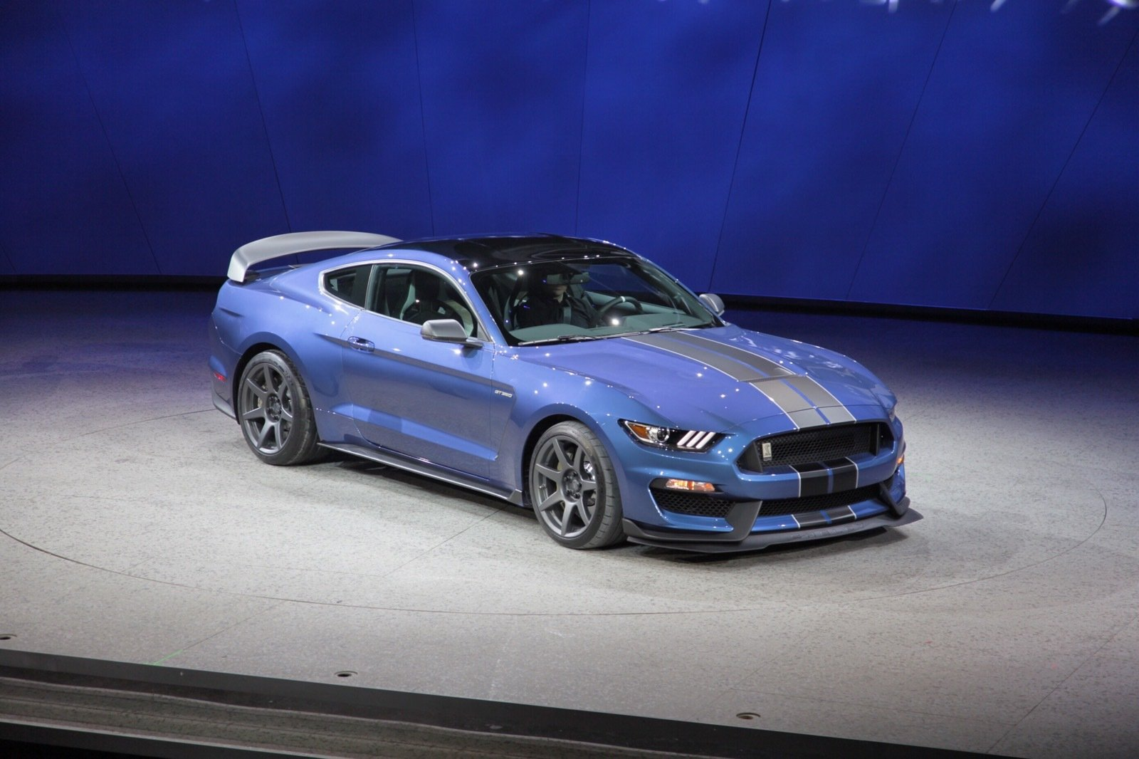 2016 ford shelby gt350r mustang picture 610324 car review top speed. Black Bedroom Furniture Sets. Home Design Ideas