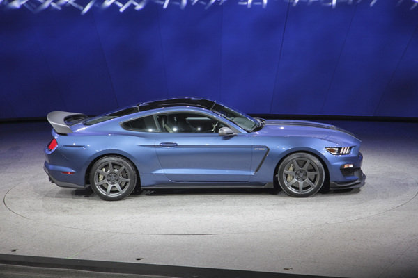 2016 ford shelby gt350r mustang picture 612607 car review top speed. Black Bedroom Furniture Sets. Home Design Ideas