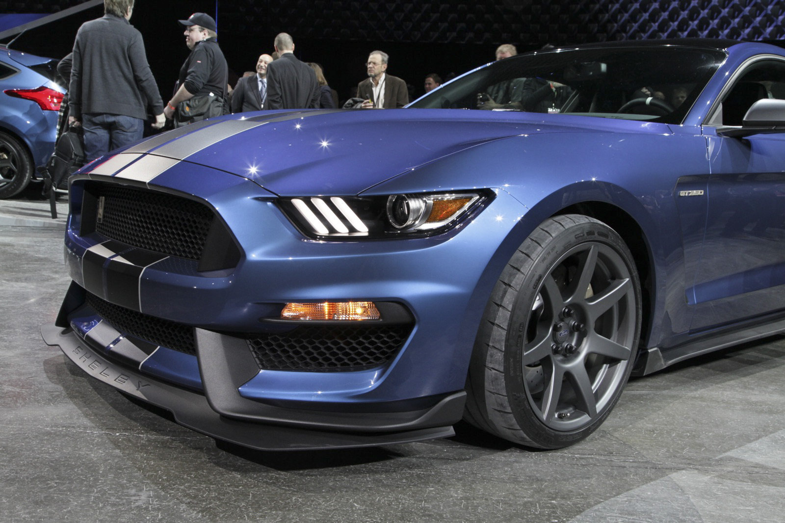 2016 ford shelby gt350r mustang picture 612614 car review top speed. Black Bedroom Furniture Sets. Home Design Ideas