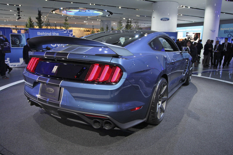 2016 ford shelby gt350r mustang gallery 612615 top speed. Black Bedroom Furniture Sets. Home Design Ideas