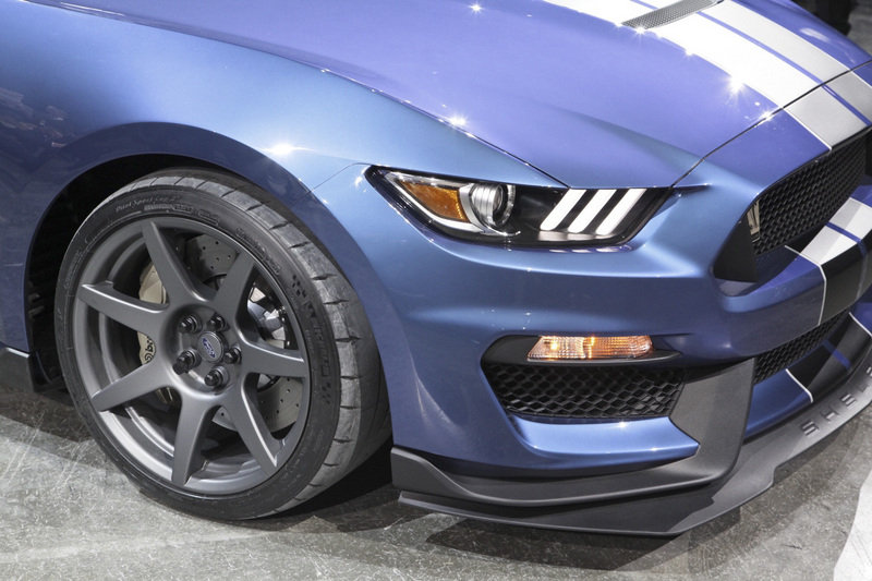2016 ford shelby gt350r mustang review top speed. Black Bedroom Furniture Sets. Home Design Ideas