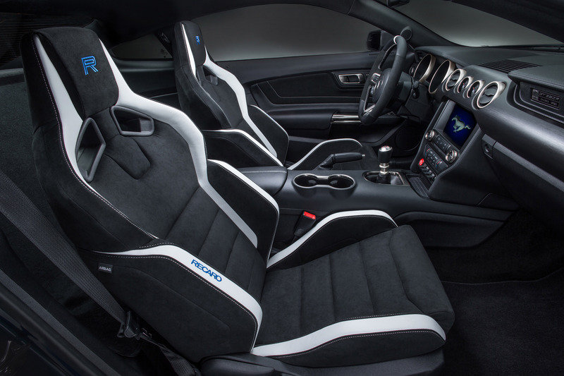 2016 Ford Shelby GT350R Mustang Interior - image 610245