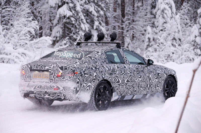 Spy Shots: 2016 Jaguar XF Caught Playing in the Snow Exterior Spyshots - image 611305