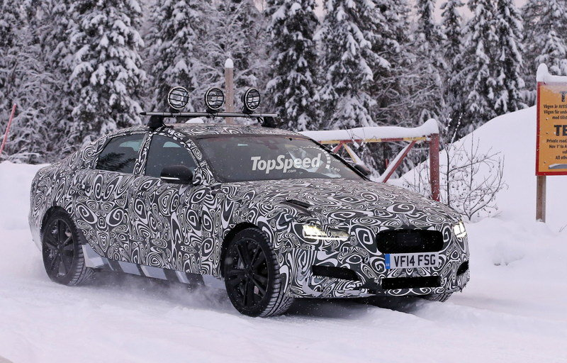 Spy Shots: 2016 Jaguar XF Caught Playing in the Snow Exterior - image 611296