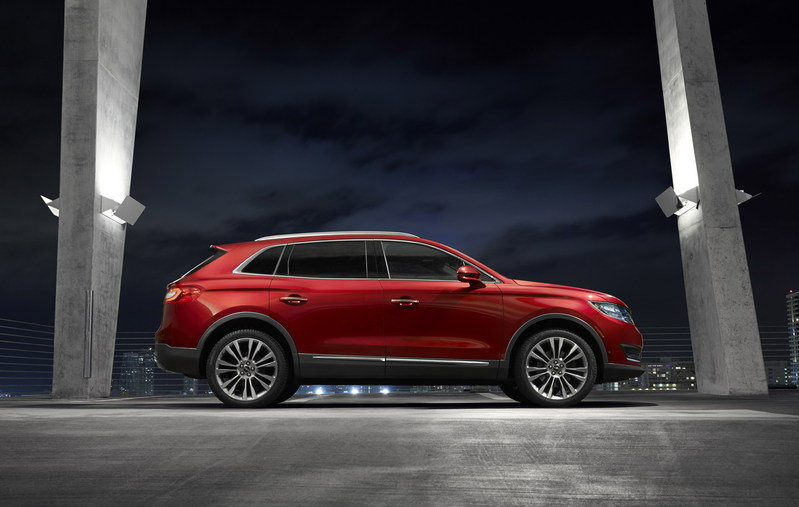 2016 Lincoln MKX High Resolution Exterior - image 610798