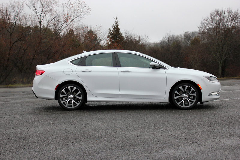 2015 Chrysler 200C - Driven High Resolution Exterior - image 608422