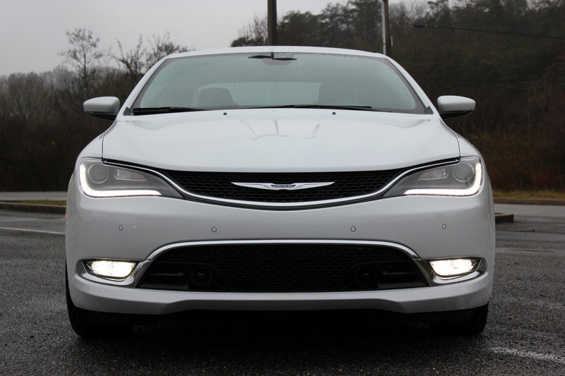 2015 Chrysler 200C - Driven High Resolution Exterior - image 608423