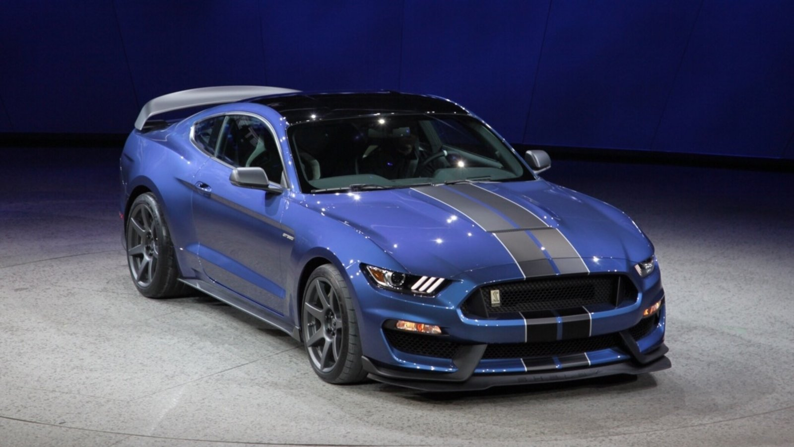 shelby gt350 and gt350r order guide leaked news top speed. Black Bedroom Furniture Sets. Home Design Ideas