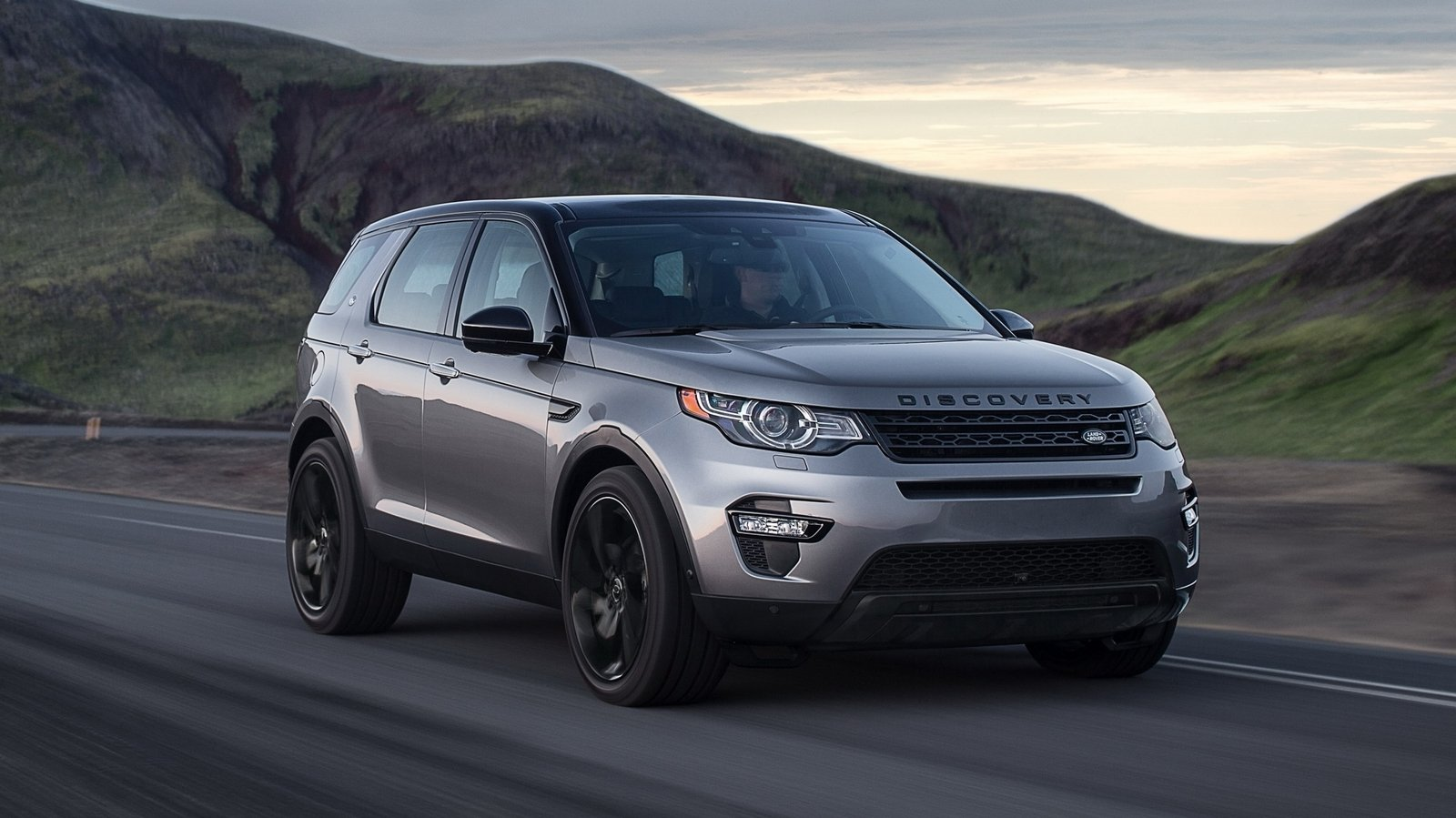 land rover discovery sport and evoque will get more powerful versions but not svr picture. Black Bedroom Furniture Sets. Home Design Ideas