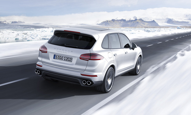 Porsche Cayenne Turbo S Brings its 570 HP to Detroit