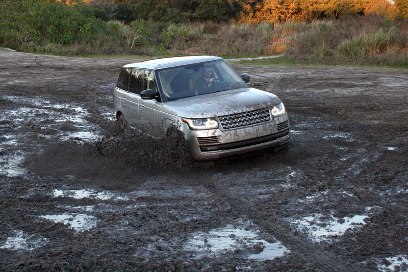 2015 Land Rover Range Rover LWB - Driven High Resolution Exterior - image 615470