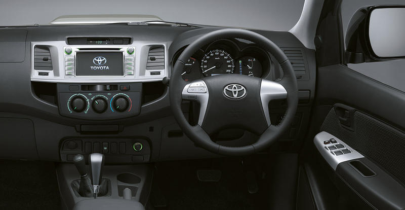 Bed Of A Truck >> 2015 Toyota Hilux Invincible X | Top Speed