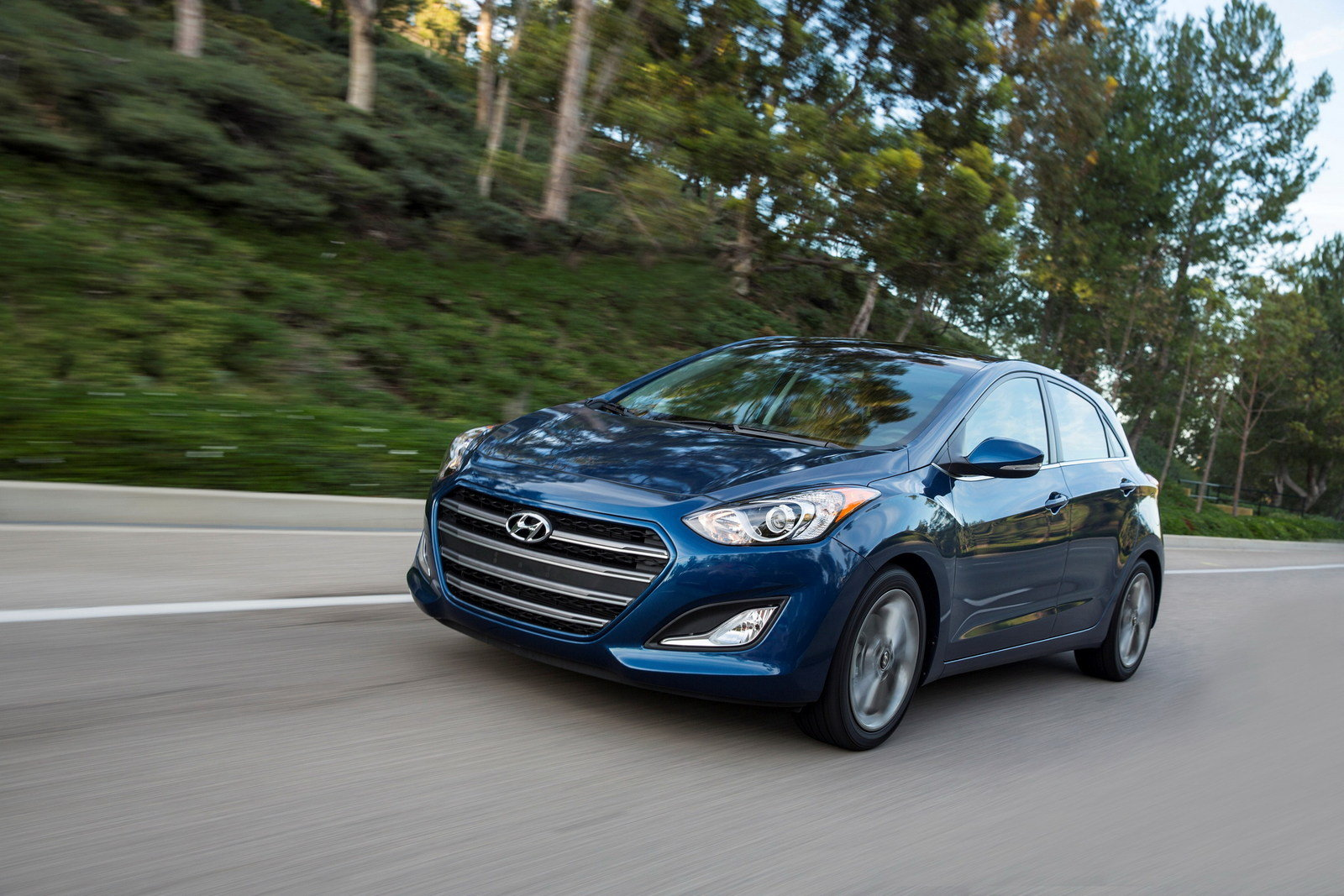 2016 hyundai elantra gt picture 617146 car review top speed. Black Bedroom Furniture Sets. Home Design Ideas