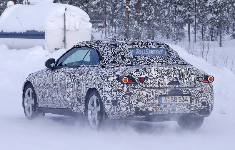 Spy Shots: Mercedes C-Class Convertible Goes Winter Testing Exterior Spyshots - image 615909
