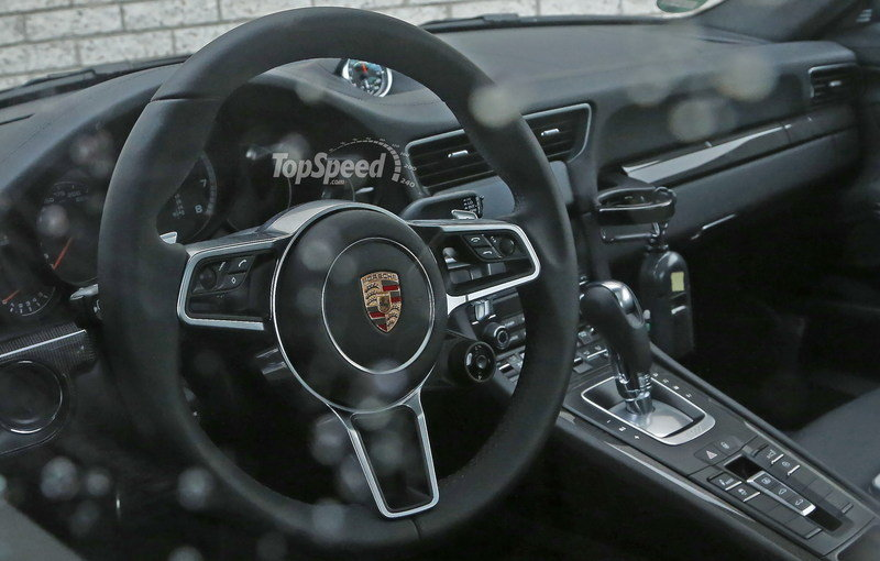 2017 Porsche 911 Turbo High Resolution Interior Spyshots - image 618890