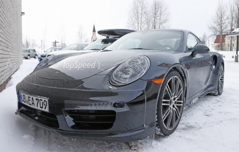 2017 Porsche 911 Turbo High Resolution Exterior Spyshots - image 618891