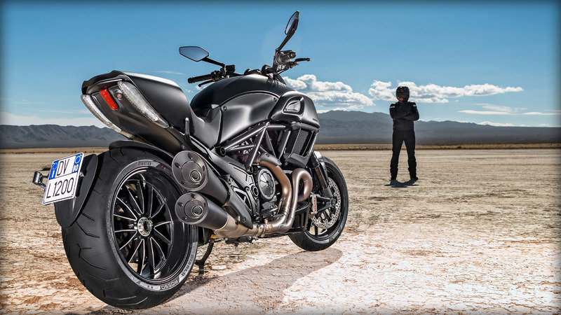 2015 Ducati Diavel High Resolution Exterior - image 618366
