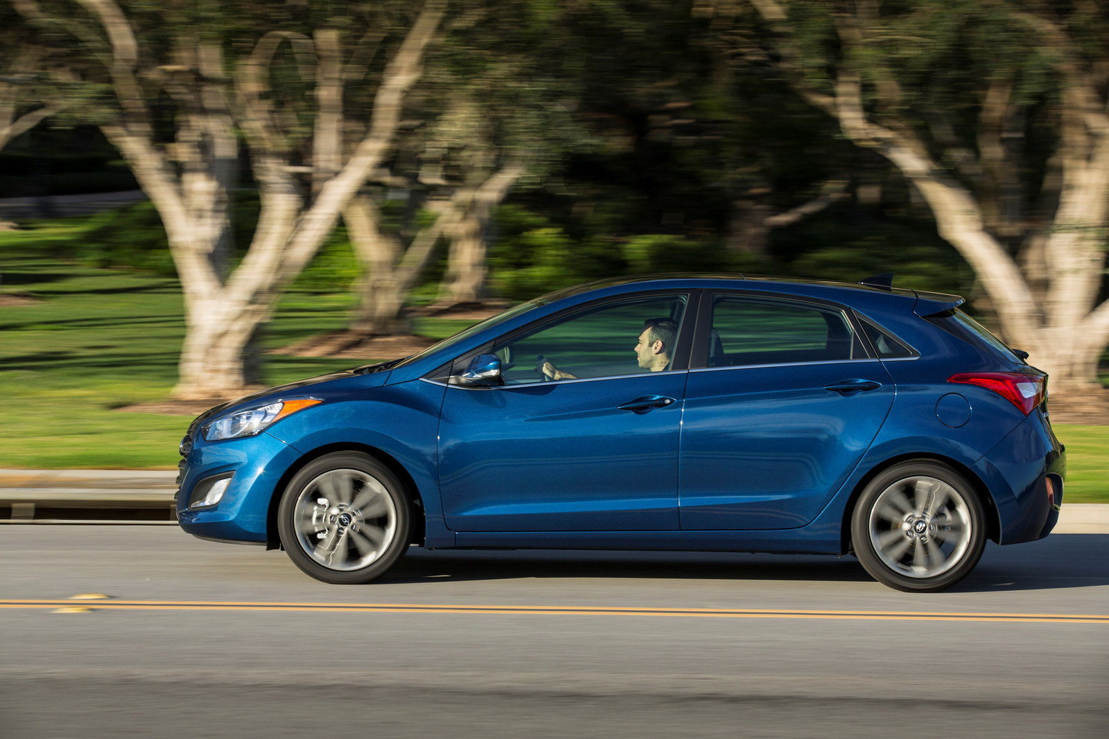 2016 hyundai elantra gt picture 617136 car review top speed. Black Bedroom Furniture Sets. Home Design Ideas